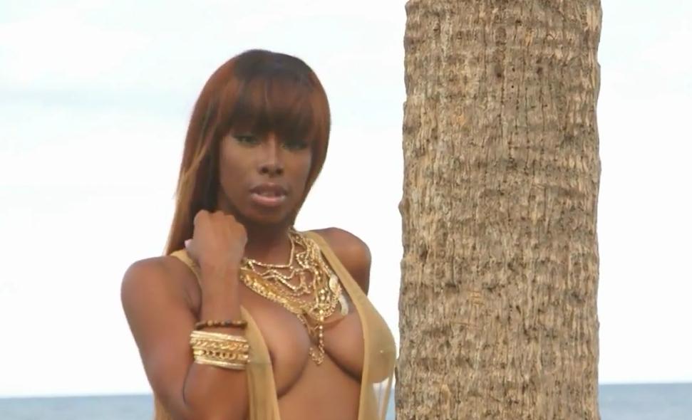 DGC Exclusive- Eliza Reign Beach Shoot